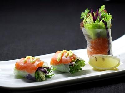 三文鱼的吃法—三文鱼蔬菜卷