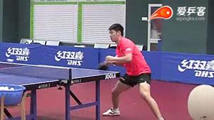 看薛飞训练视频,学习顶尖选手的直板正手技术!